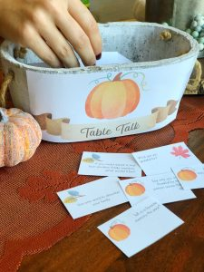 Table Talk Thanksgiving Conversation Game – Free Printable | Rock It Mama | Grow closer to family members as you join in conversation and answer questions with this table talk game!